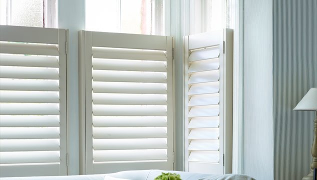 Window Shutters Cafe Style Solid Wood Or Polyvinyl